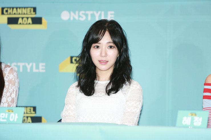韩女团AOA新专辑发布 颜值爆棚秒杀菲林