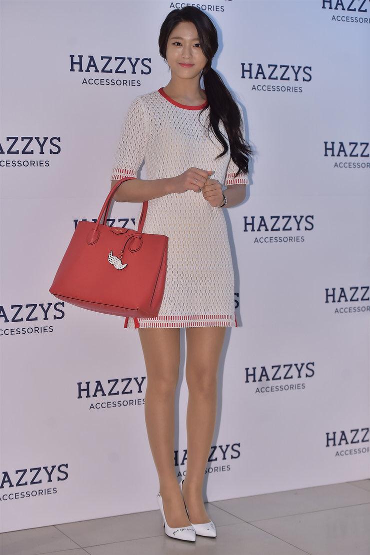 AOA优雅亮相品牌发布会 时尚潮流气质尽显
