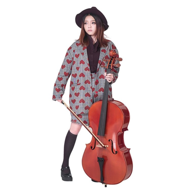 周典奥最新写真造型百变古灵精怪 其它照片摇滚少女风格