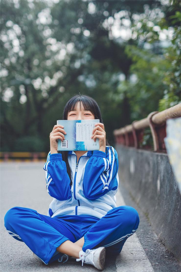 高中校花生活照 甜美似奶茶MM