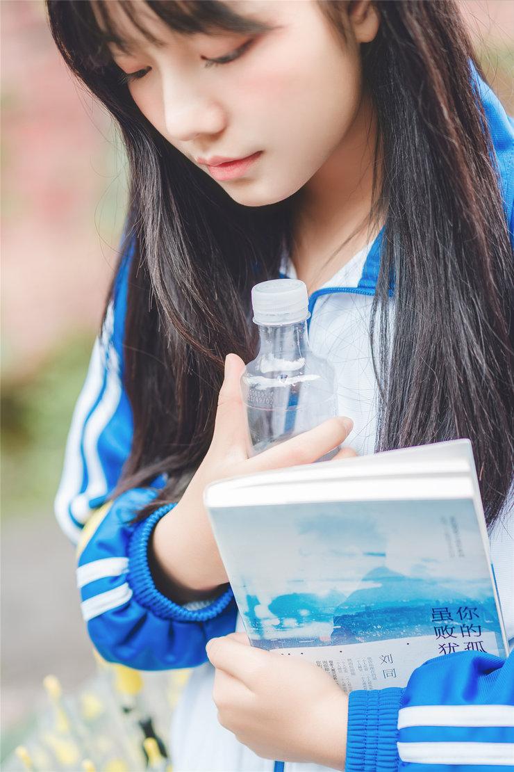 校服少女摄影写真 素颜不化妆主要靠颜值
