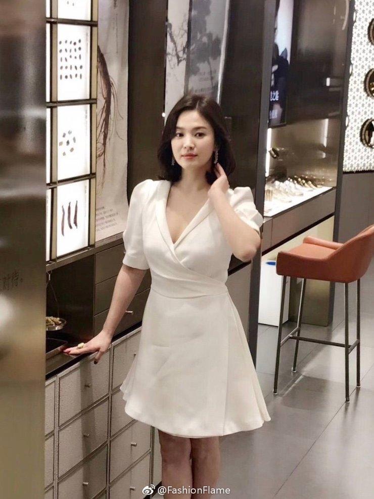 37岁宋慧乔一身白裙现身上海 与宋仲基婚后颜值不减