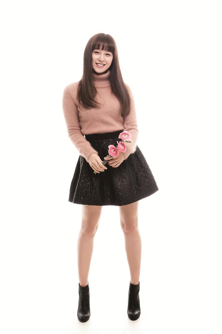 金智媛时尚写真 大长腿抢镜