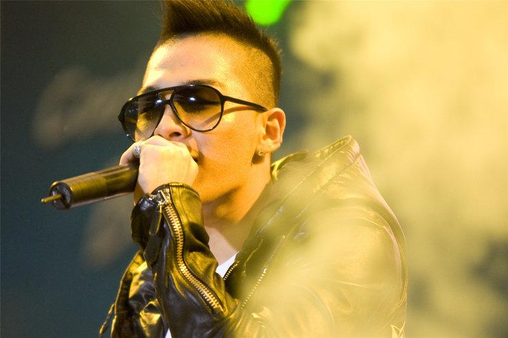 BIGBANG演唱会高清照片 酷中带帅满满的摇滚范