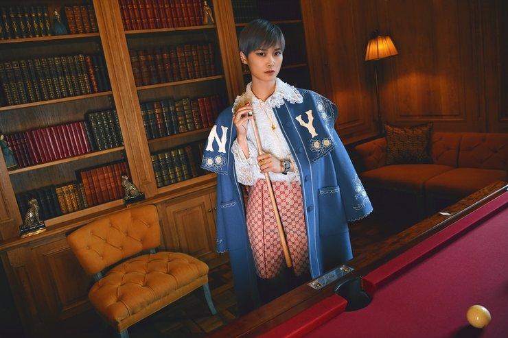 李宇复古春蕾丝衬衫看秀 法式优雅融合街头潮流