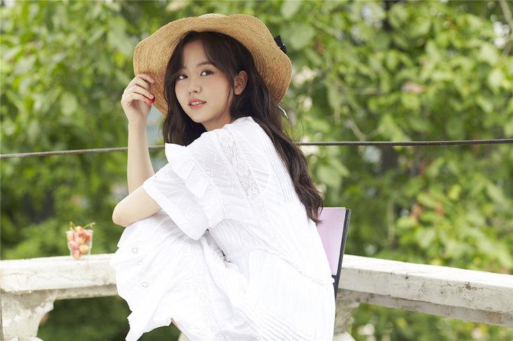 金所炫夏日写真大片 青春洋溢笑容满分