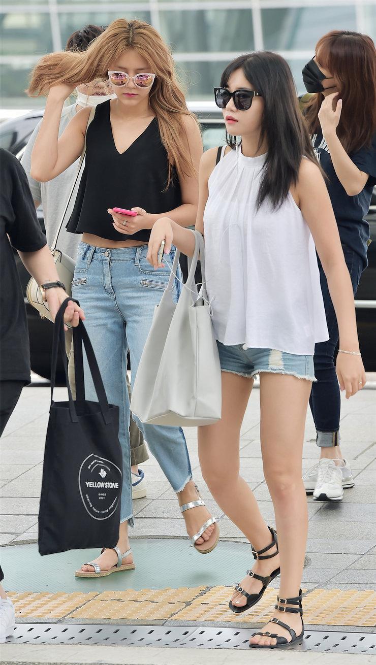 AOA最新街拍 造型简约不失时尚