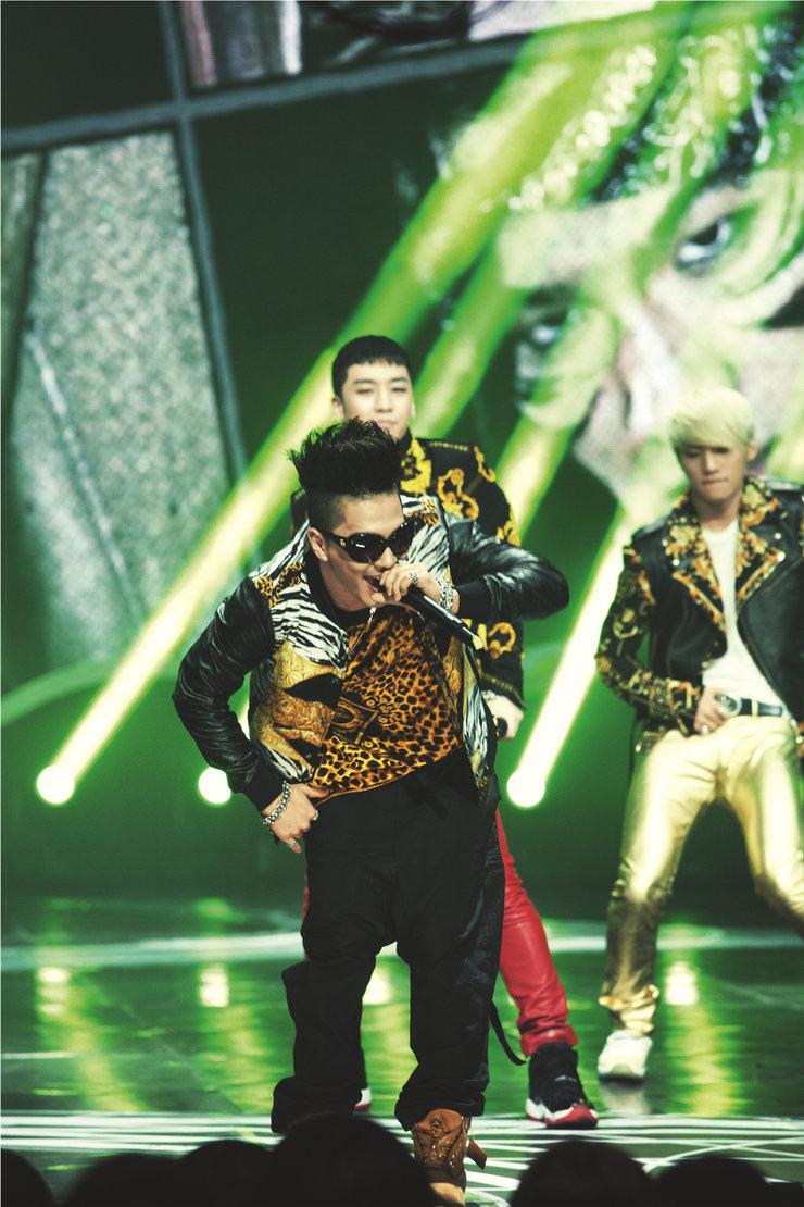 BIGBANG演唱会狂飙Rap 摇滚狂欢引爆全城