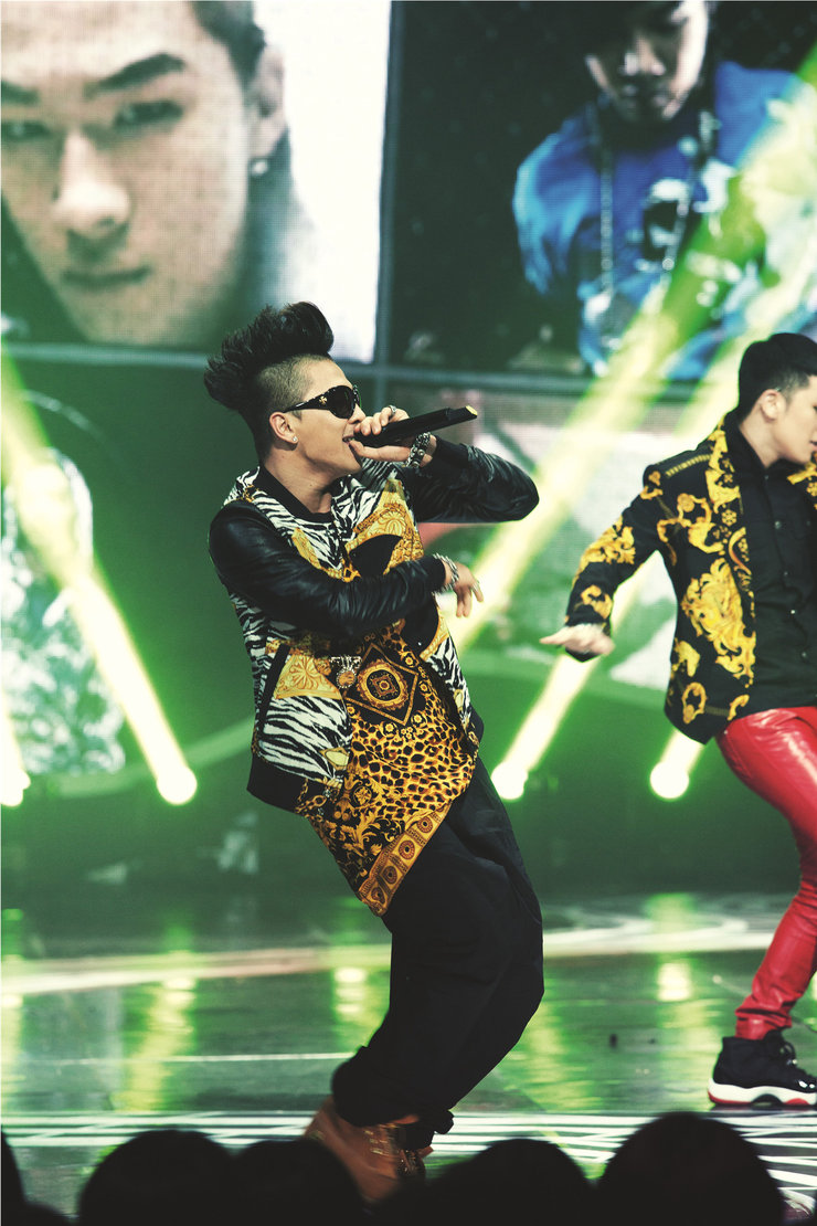 BIGBANG演唱��狂�jRap �u�L狂�g引爆全城