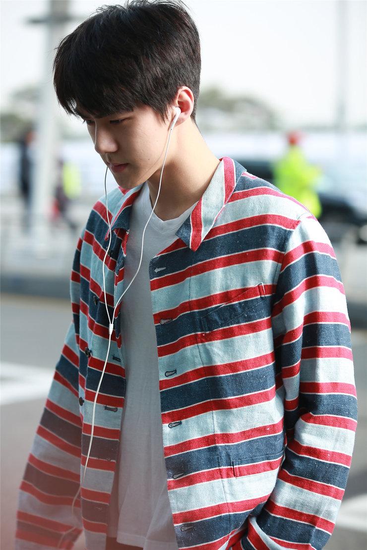 EXO私服街拍 堪称行走的衣架