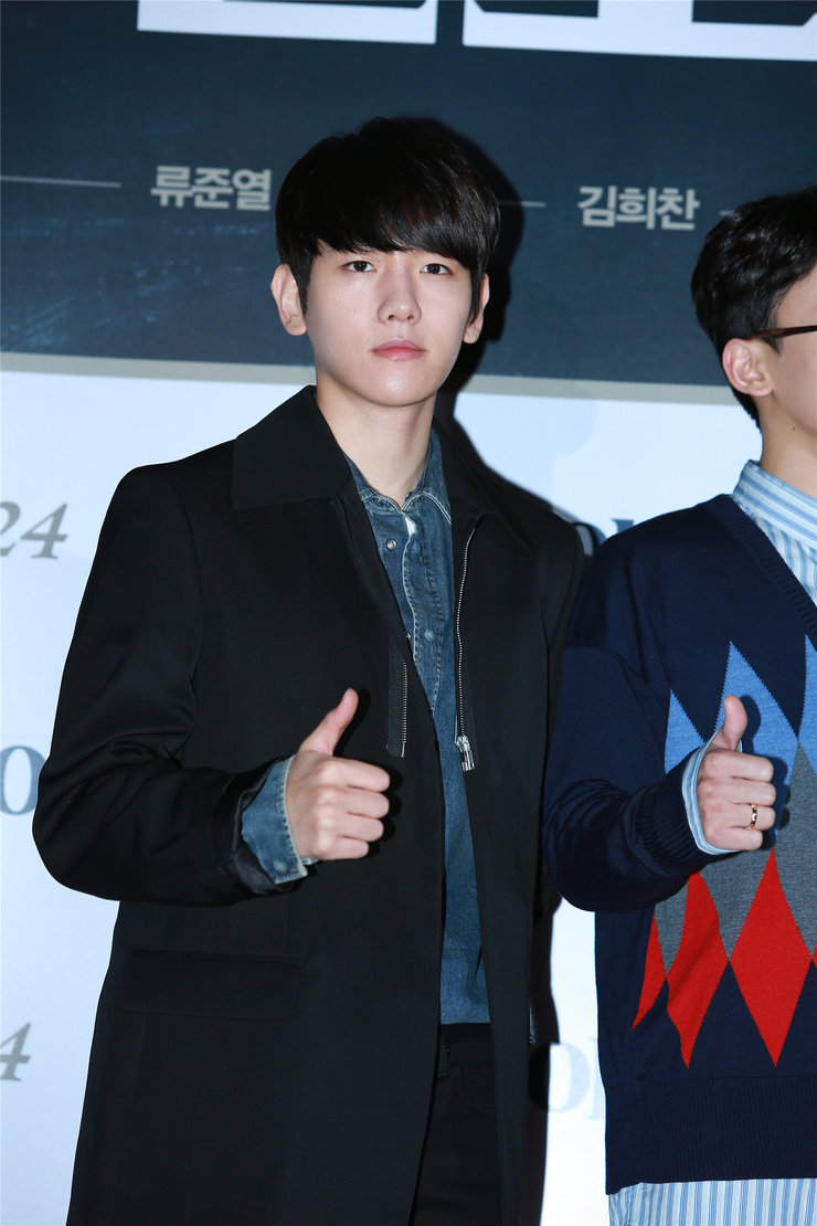 EXO出席赞助商发布会 帅气爆棚秒杀菲林