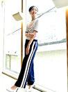 韩人气女星金高银高清写真 纤细美腿彰显气质-韩国女明星